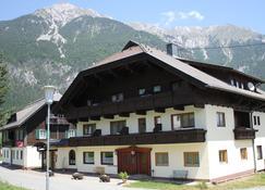 Pension Marienhof - Hermagor - Κτίριο