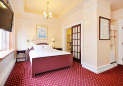 Bedford Regency Hotel - Victoria - Bedroom