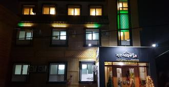 Jeonju Hanok Village Guest House - Jeonju - Building
