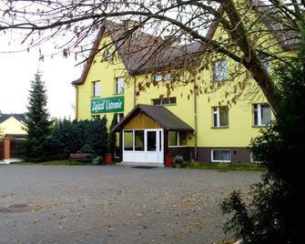 Zajazd Ustronie - Piaseczno - Gebouw
