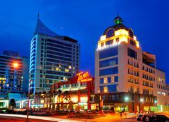 Courtyard Hotel @ 1Borneo - Kota Kinabalu - Building