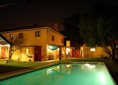 Lourens River Guesthouse B&B - Somerset West - Uima-allas