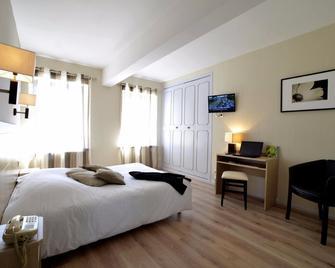 Hôtel du Commerce - Pierrefontaine-les-Varans - Bedroom
