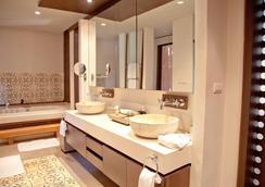 布吉斯攀瓦酒店 - 威七 - 維奇特 - 浴室