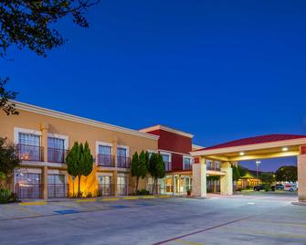 Best Western Plus Atrium Inn - Schertz - Building