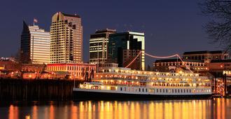 Delta King Hotel - Sacramento - Vista del exterior
