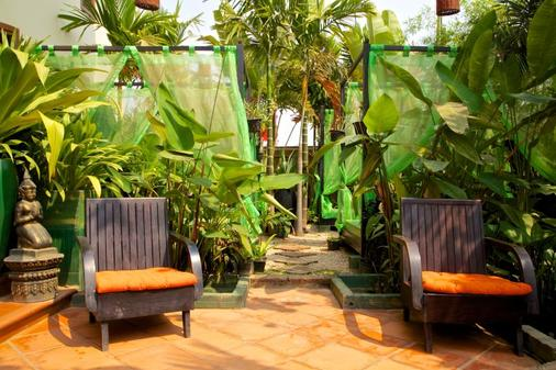 Boutique Cambo Hotel - Siem Reap - Outdoors view
