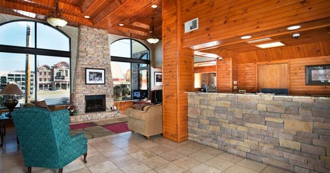 Island Drive Lodge - Pigeon Forge - Front desk