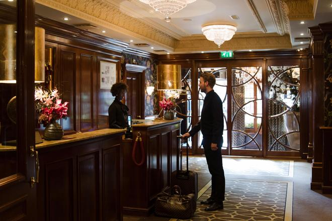 Hotel Estheréa - Amsterdam - Front desk