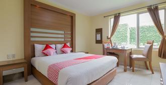 ホテル セネン インダー - ジャカルタ - 寝室
