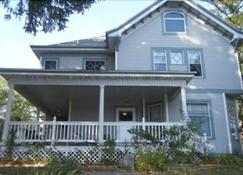 The Sawyer House Bed & Breakfast - Sturgeon Bay - Rakennus