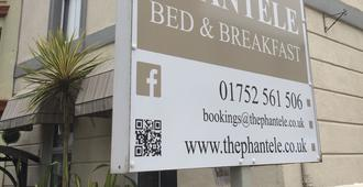 The Phantele Bed & Breakfast - Plymouth