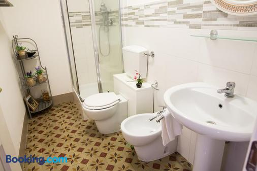 B&B Casa Elide - Catania - Bathroom