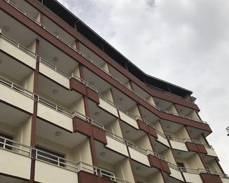 Sivrikaya Otel - Düzce - Building
