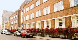 TheWesley - Λονδίνο - Κτίριο