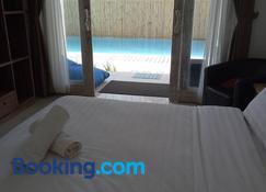 The 5 Brothers Hotel - Gili Trawangan - Bedroom