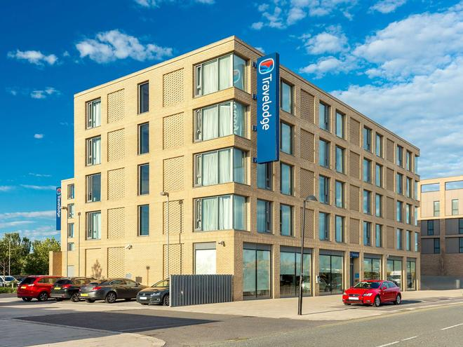 Travelodge London Excel Hotel - London - Building