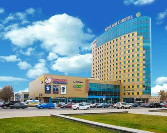 East Gate Hotel - Balašicha - Building