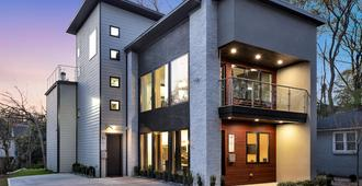 New Modern Home Near Atlantic Station With Balcony And Rooftop Deck - Atlanta - Edifici