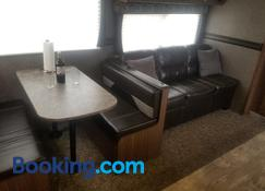 New!! Luxury Camper Near Grand Canyon - Valle - Stue