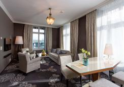 Hotel Schweizerhof Luzern - Lucerne - Living room
