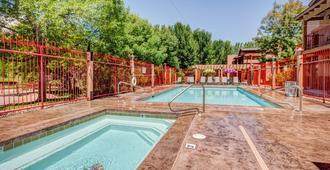 The Gonzo Inn - Moab - Pool