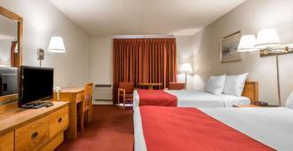 Rodeway Inn - לייק פלסיד - חדר שינה