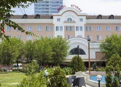 Atyrau Dastan Hotel - Atıraw - Gebouw