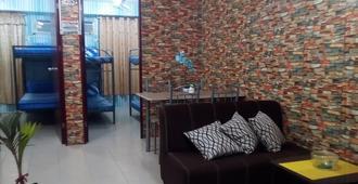 Samanakan's Condotel - Manila - Living room