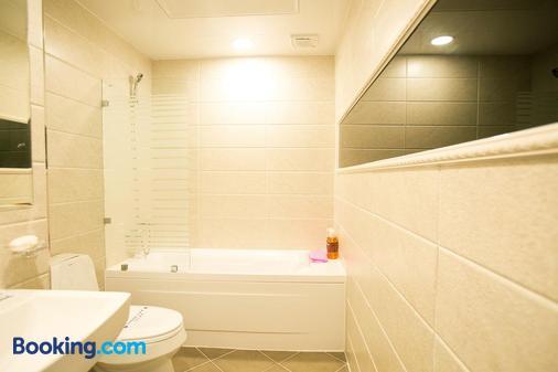 Hotel Major 2 - Ciudad de Jeju - Baño