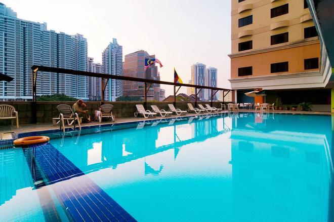 吉隆波柑橘酒店 - 吉隆坡 - 游泳池