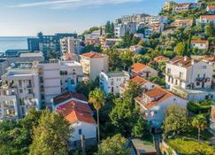 Apartments Lukas - Budva - Outdoors view