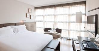 Reina Petronila - Zaragoza - Bedroom