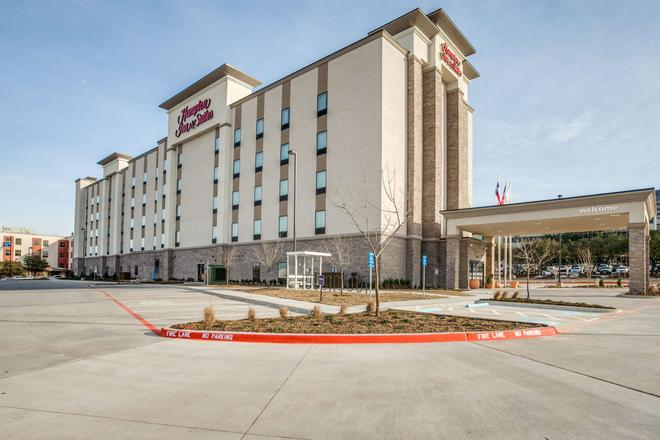 Hampton Inn & Suites Dallas-Central Expy/North Park Area, TX - Ντάλας - Κτίριο