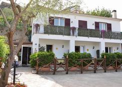 Il Cottage Bed & Breakfast - Massa Lubrense - Building