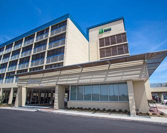 Holiday Inn Express Nags Head Oceanfront - Nags Head - Gebouw