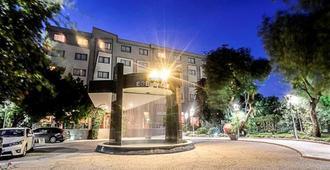Hotel Anemon Ege Saglik - Izmir - Building