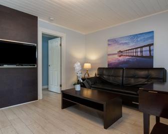 Riverside Resort Motel and Campground - Qualicum Beach - Huiskamer