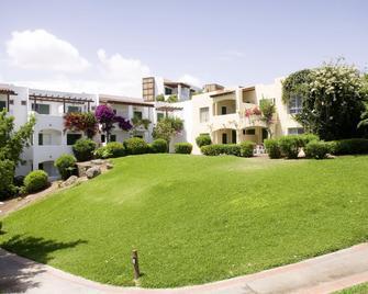Robinson Club Esquinzo Playa - Morro Jable - Building