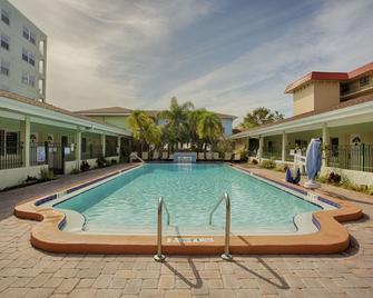 Hotel Sol - Redington Shores - Pool
