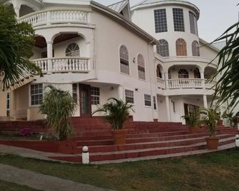 Savannes Bay Garden Inn - Vieux Fort - Gebäude