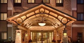 Staybridge Suites Omaha 80th And Dodge - Omaha - Building