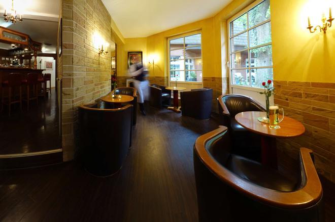 Best Western Hotel Schmoeker-Hof - Norderstedt - Bar
