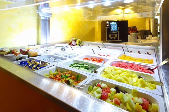 Best Western Hotel Schmoeker-Hof - Norderstedt - Buffet