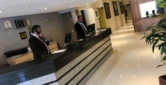 Condor Hotel - Curitiba - Bedroom