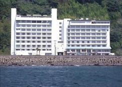 伊豆熱川溫泉家庭飯店開春樓 - 東伊豆町 - 建築