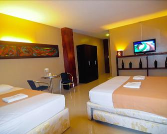 Royal Coast Tourist Inn And Restaurant - Tagbilaran - Bedroom