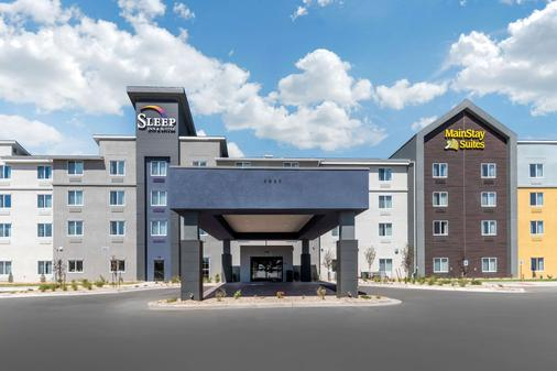 Sleep Inn and Suites Denver Intl Arpt - Denver - Building