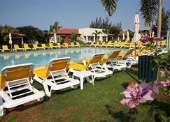 Montebelo Indy Maputo Congress Hotel - Maputo - Basen