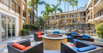 Comfort Inn & Suites Orange County John Wayne Airport - Santa Ana - Patio